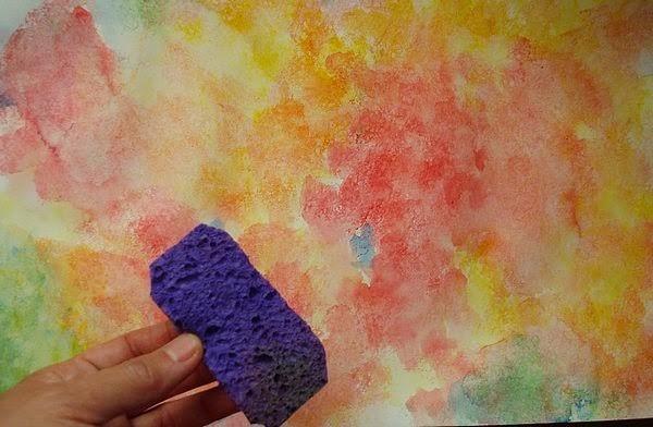 Descubre nuevas formas de utilizar tus acuarelas pintar con esponja