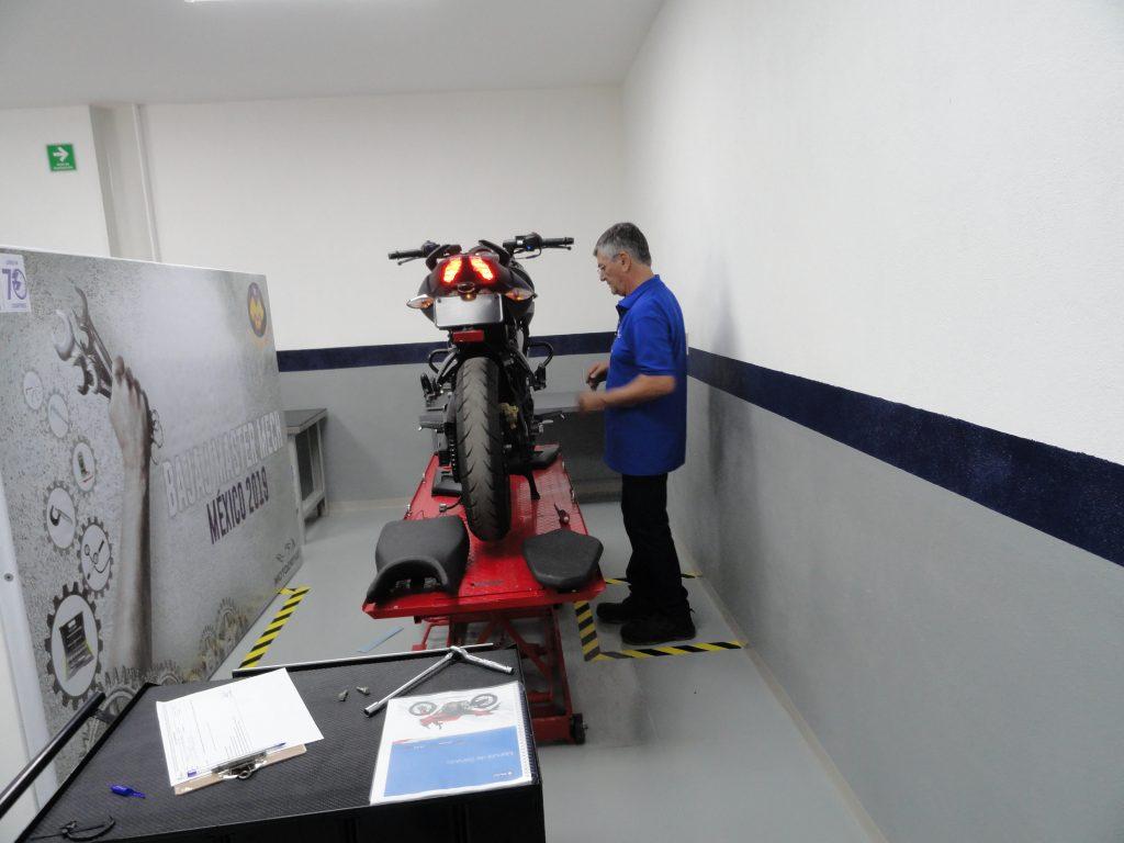 Master Mechs México, el programa de Bajaj Motodrive Bajajmech 1024x768