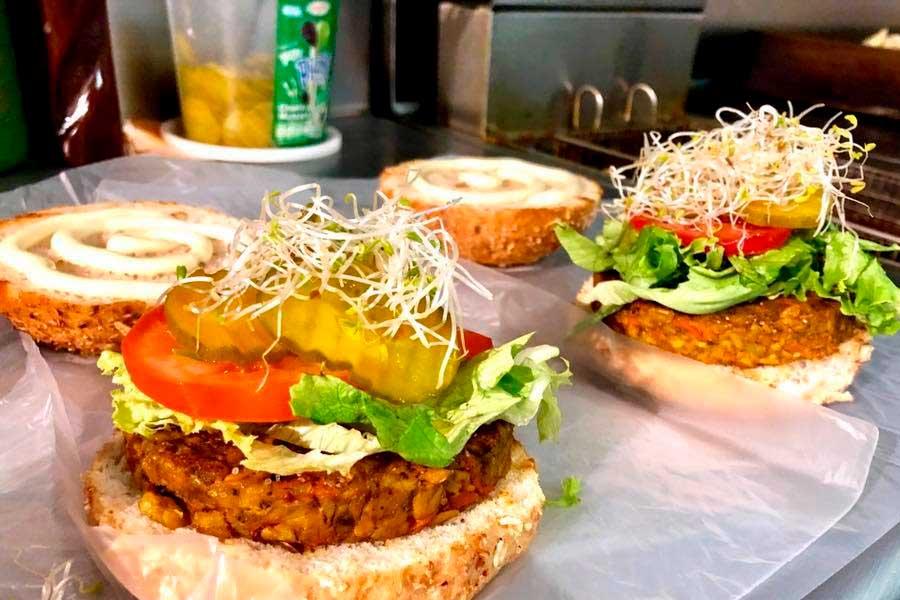 7 restaurantes veganos que debes conocer Somos empesarias 7 restaurantes veganos que debes conocer Pan D Monium Roma