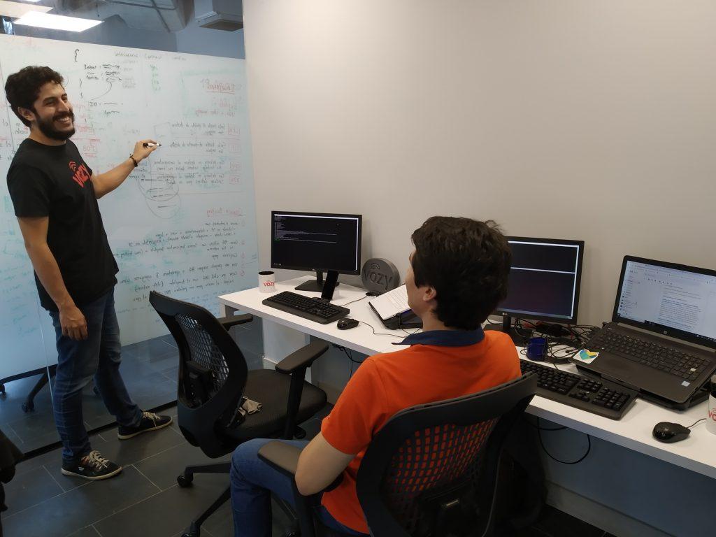 Vozy llega a México con el primer servicio text-to-speech neuronal en español oficina vozy 1 1024x768